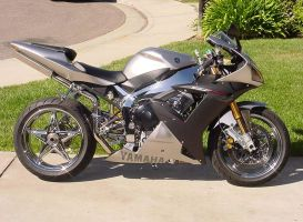 beautiful r1 by vfx