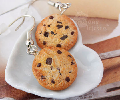 Chocolate Chip Cookie Earrings by DeliciousTrickery