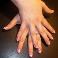 Sweet and innocent nails by chocobo-kisses