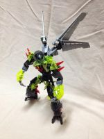 Tak: The Cowardly Makuta by TheRed1s