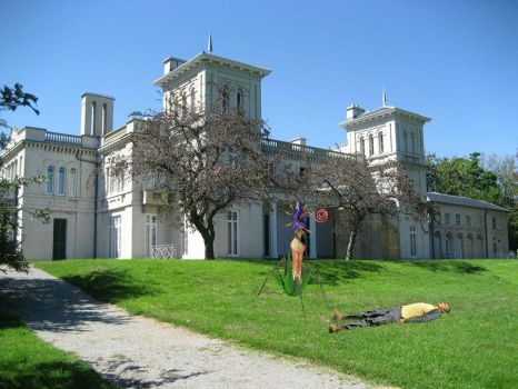 Triffid attack at Dundurn Castle by williamhenry