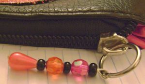 Irken purse beaded charm by Ms-Mordant