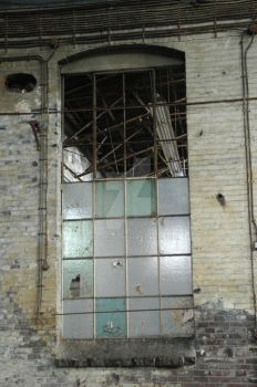 this window full of broken glass by chicvega