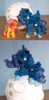 Size comparission - Handmade Luna plush by Piquipauparro