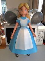 Alice in Wonderland Papercraft by x0xChelseax0x