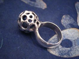 small matrix ball ring by discomedusa