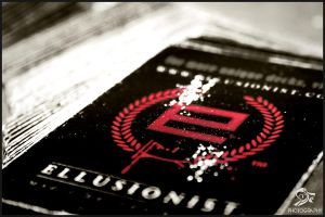 ELLUSIONIST by SMlLE