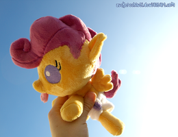 Baby Scoots in the sky by zuckerschnuti
