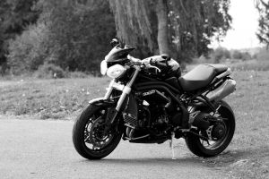 Speed triple 2012 Blackandwhite by Zed03