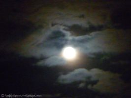 Howling Moon by Amita-Eppes
