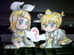 the Kagamines in my PC! x3 by BLEEDFan95