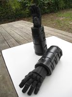 Red Hood Fan build Vambracers 1 by teranmx