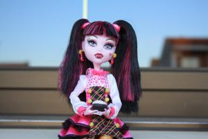 Monster high Draculaura cake by Yoli-chan