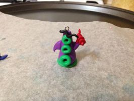 Day of the Tentacle charm by Vampluva