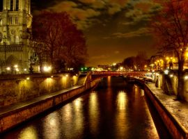 The Seine by Night by superflyninja