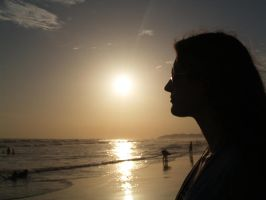 silhouette at the beach by treehugginhippie