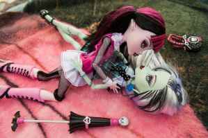 Draculaura and Frankie by CatMaier