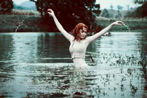 Lady of the lake by juliadavis