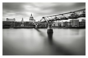 Millenium Bridge by Bartekkw