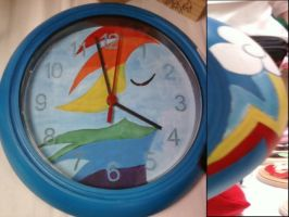 Rainbow Dash clock by cutiechibi