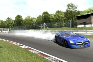 Now thats how you drift an AMG SLS Merc by whendt