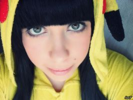 Cosplay Pikachu 2 by SaFHina