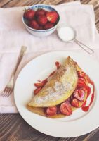 omelet with strawberries by FiorOf