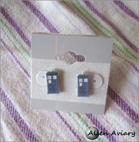 Doctor Who Tardis Earrings by alienaviary