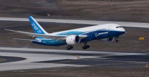 Dreamliner Low Approach by GrinchWSLG