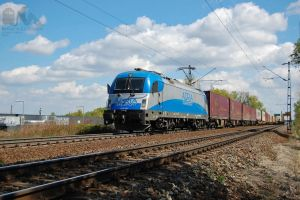 1216 920 with freight near Gyor in april, 2012 by morpheus880223