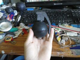 Bouncy Hand-Grenade by Rooivalk1