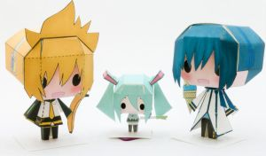 Vocaloid Trio Papercraft by Kittyintheraiyn