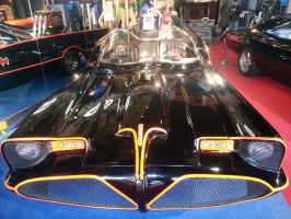 Batmobile by GiantGeekyRobot