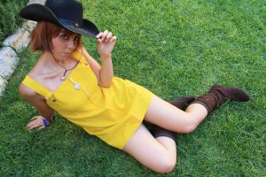 Selphie - Posing in the grass by MiaKa-CiD
