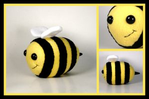 Busy Bumble Bee Plushie by Saint-Angel