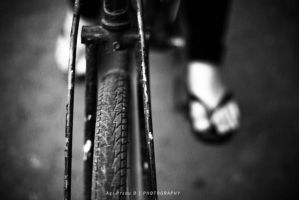 tyre in black white by agie