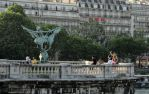 Middle section of Pont de Bir-Hakeim by EUtouring