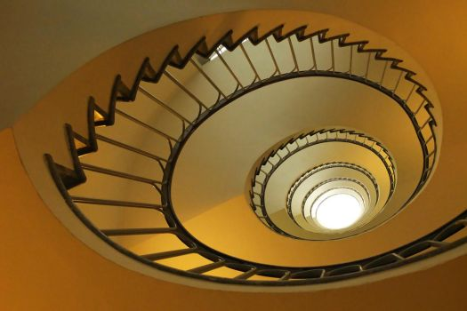 Spiraling Up by Smaragd01