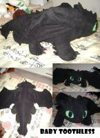 giant baby toothless by MagnaStorm