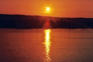 laid down sun on the Nile by jolog