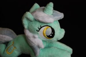 Filly Lyra shoulderpony by Siora86