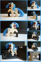 Vinyl Scratch Woodwork II by xofox