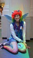 Rainbow Dash Cosplay by glitzygeekgirl