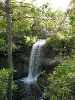 Minnehaha Falls by arenee1999