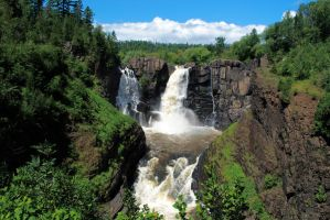 Minnesota's highest waterfall by MNgreen