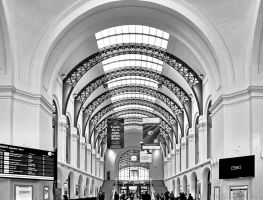 Entrance Hall Station Dresden by pingallery