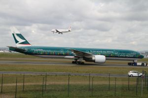 Boeing 777-367/ER Cathay Pacific Airways by PlaneSpotterJanB