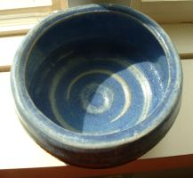 Persimmon and slate blue bowl by fishimishi