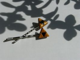 Triforce Bobby Pins by totalexistancefail