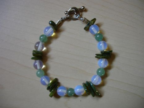 Bead Play Green Bracelet by patchpuss